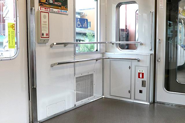 名古屋市営地下鉄N3000形(ステンレス車) 車いすスペース