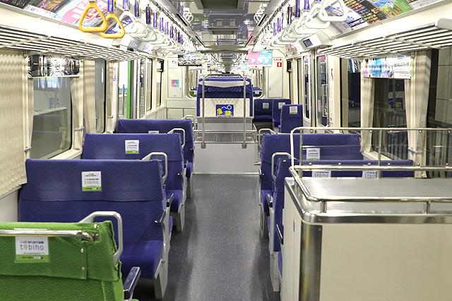 東京モノレール1000形(新塗装車)車内デザイン