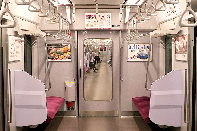 横浜高速鉄道Y500系 貫通路