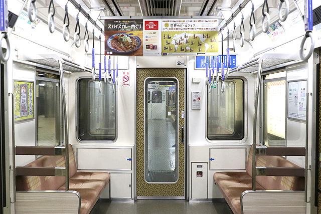 OsakaMetro66系(前期内装リニューアル車) 貫通路