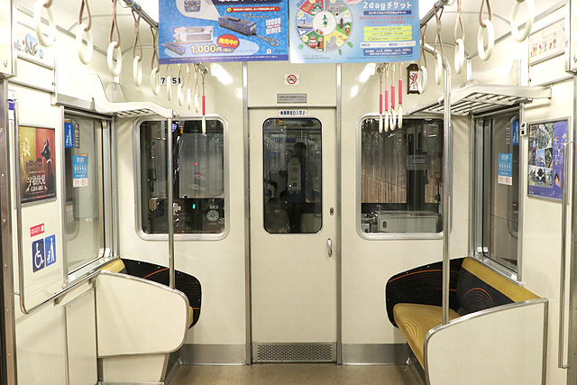 京阪7000系 乗務員室背面