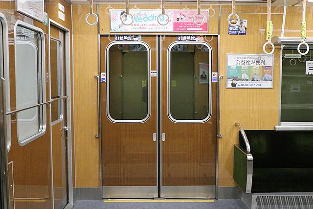 北大阪急行8000形(リニューアル・06編成)客用ドア