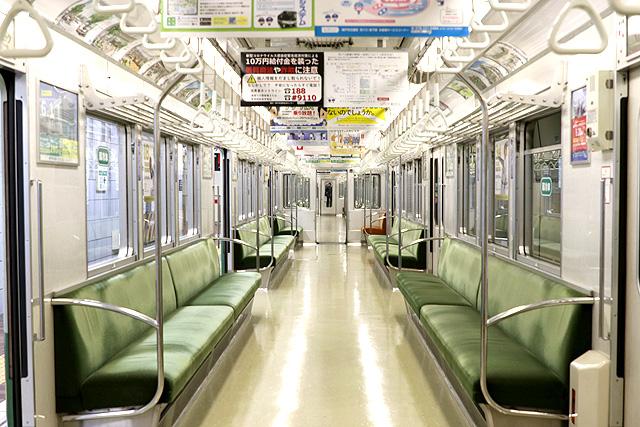 神戸市営地下鉄1000形(1000-02形)車内デザイン