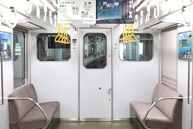 近鉄2610系(X22編成)乗務員室背面