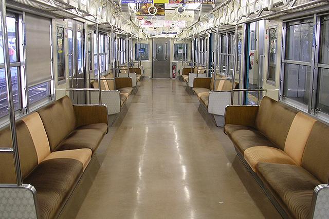 JR西日本201系 未更新車 車内