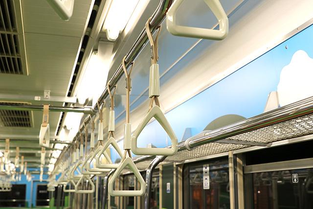 横浜高速鉄道Y000系うしでんしゃ 吊革