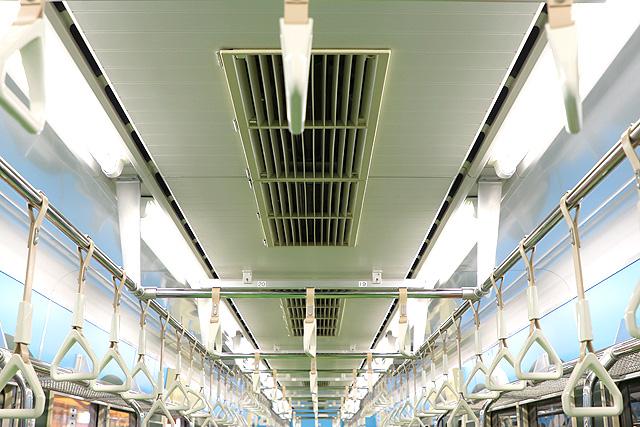 横浜高速鉄道Y000系うしでんしゃ 天井部