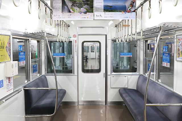 南海6200系50番台 貫通路、車いすスペース