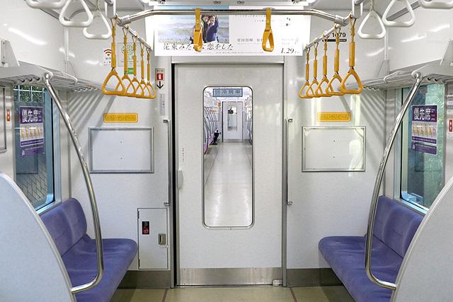 京王1000系(5・6次車)貫通路