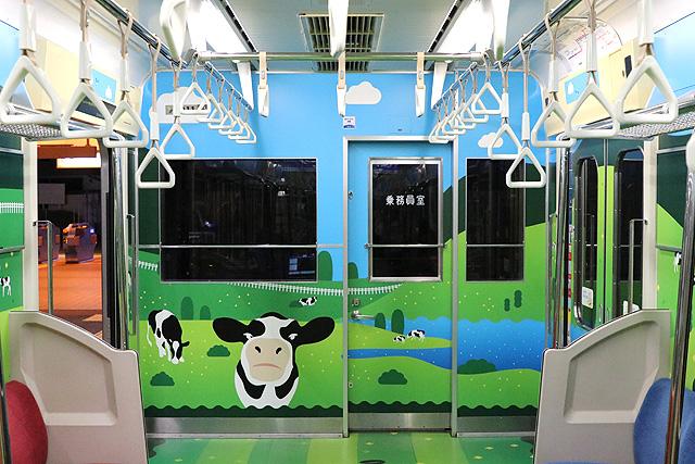 横浜高速鉄道Y000系うしでんしゃ 乗務員室背面