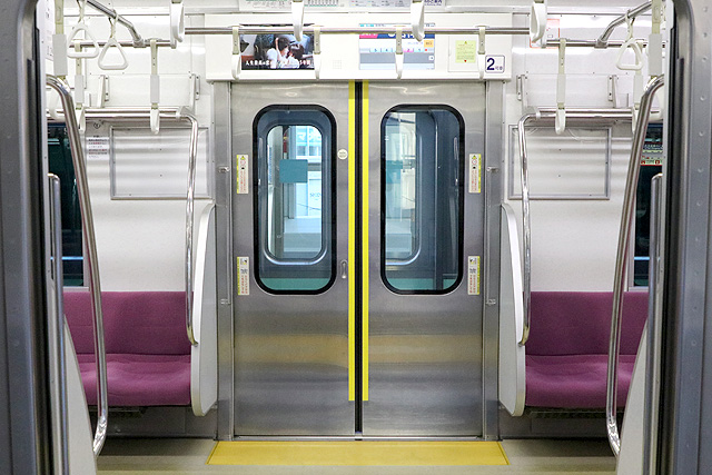京王1000系(5・6次車)客用ドア