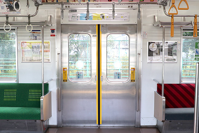 JR東日本205系1100番台 客用ドア(元埼京線車)