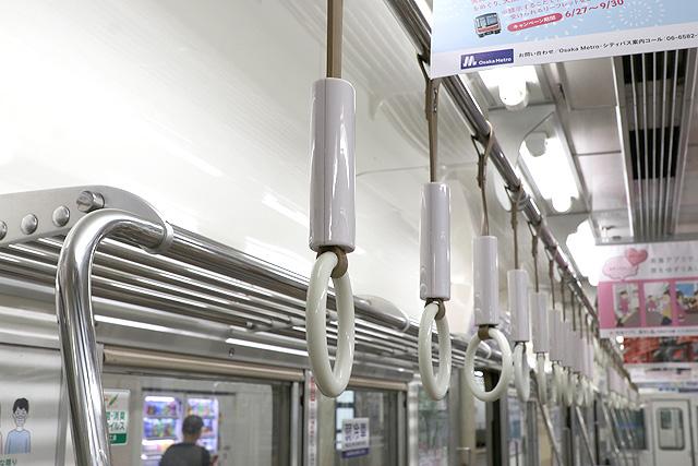 南海6200系50番台 吊革
