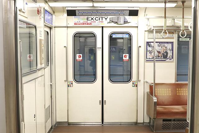 Osaka Metro 23系(最終増備車)客用ドア