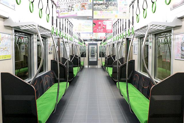 京阪13000系(5次車)車内デザイン