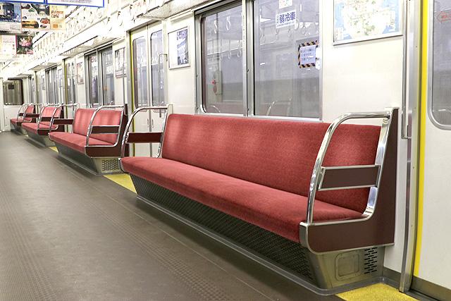 近鉄1620系 座席、袖仕切り