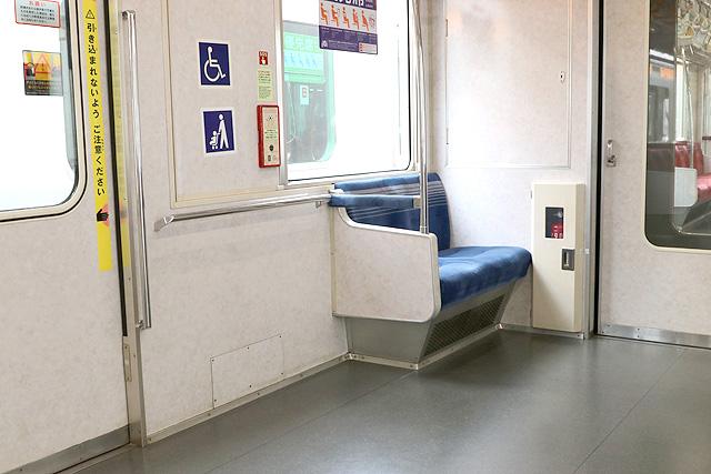 東京メトロ07系 車いすスペース