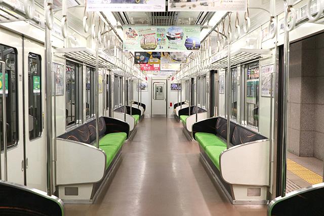 京阪6000系(未更新車)車内(増備車)