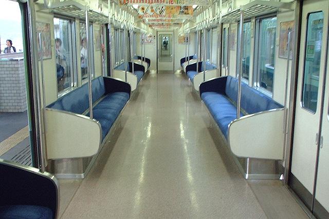 京阪9005Fの試験ロングシート改造車