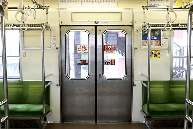 東武8000系(後期車・修繕車)客用ドア