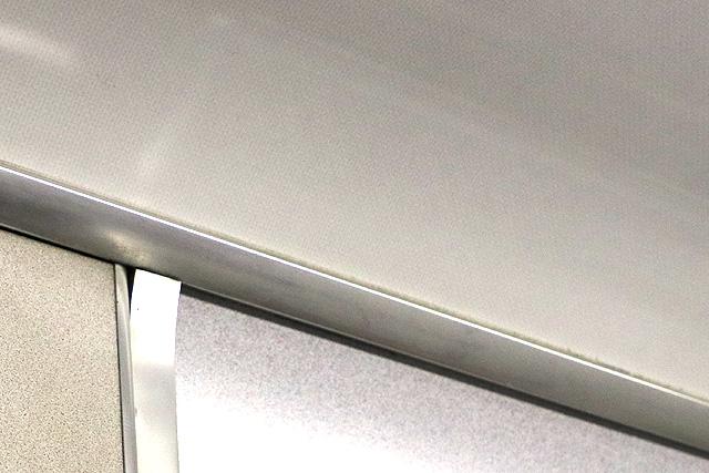 近鉄5200系に残るこもれび柄の化粧板