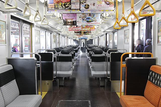 近鉄2610系B更新車の車内