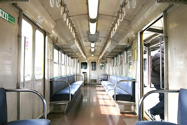 三岐鉄道北勢線の270系車内