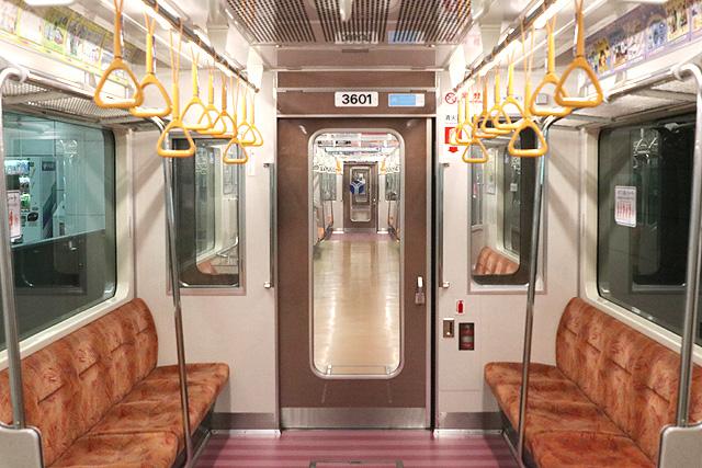 横浜市営地下鉄3000S形 貫通路