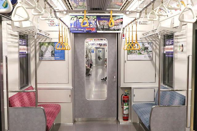 埼玉高速鉄道2000系 貫通路