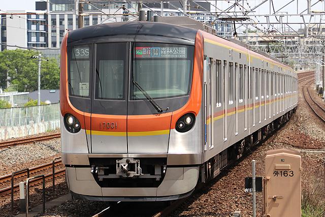 東京メトロ17000系車内