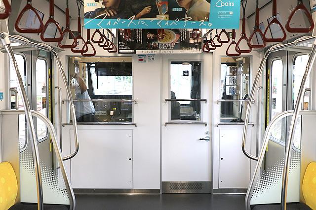 東京メトロ17000系(10両編成)乗務員室背面