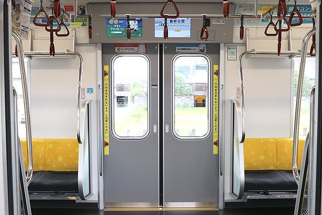 東京メトロ17000系(10両編成)客用ドア