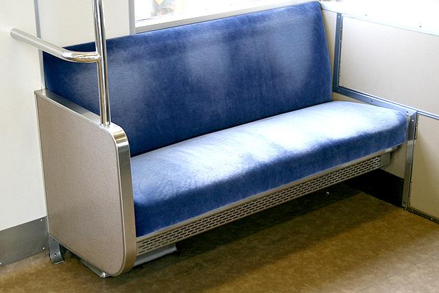 座席袖仕切り検定-5