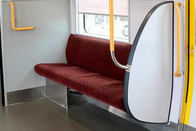 座席袖仕切り検定-6