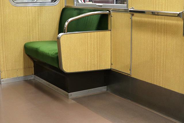 座席袖仕切り検定-8