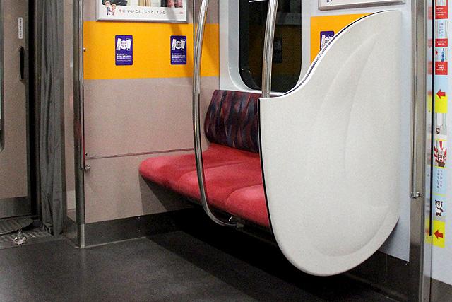 座席袖仕切り検定-9