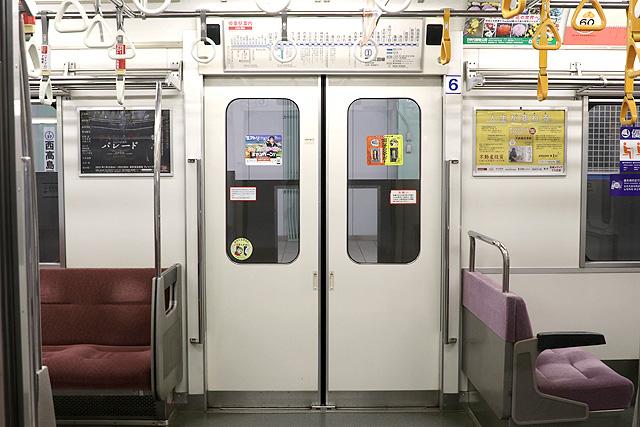 都営6300形(2次車)客用ドア