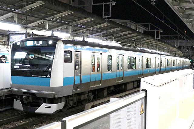 JR東日本E233系1000番台車内