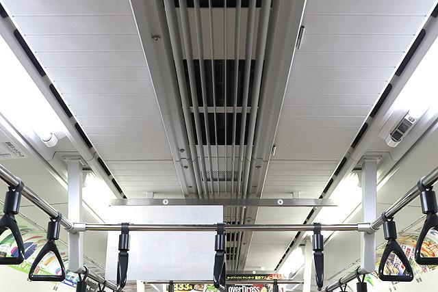 JR東日本E233系1000番台 天井部