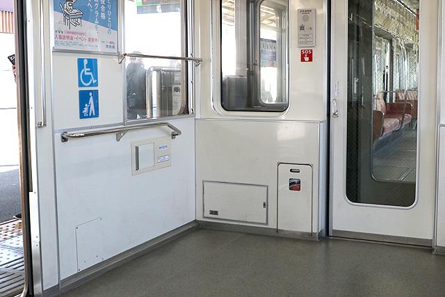 Osaka Metro 24系(初期リニューアル車)車いすスペース