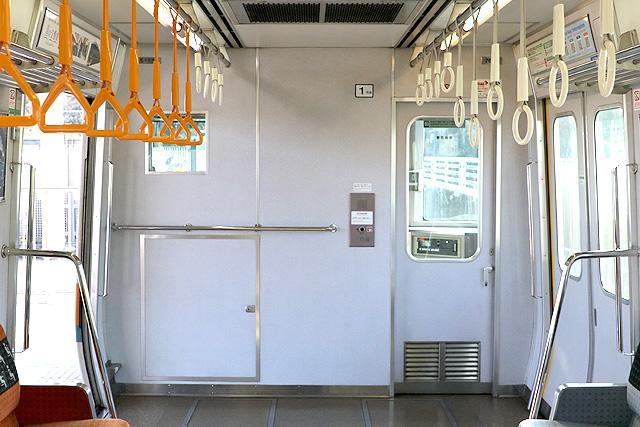 近鉄7020系 乗務員室背面