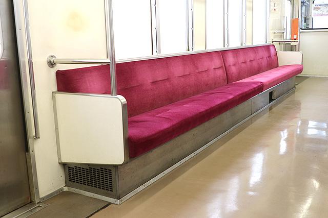 関東鉄道キハ2200形 座席、袖仕切り