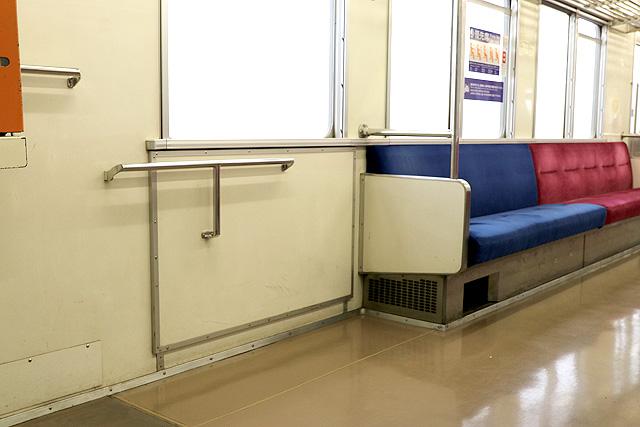 関東鉄道キハ2200形 車いすスペース
