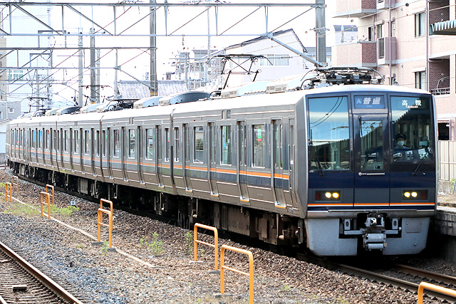 JR西日本207系リニューアル車車内