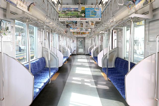 東武50000型(後期車)車内