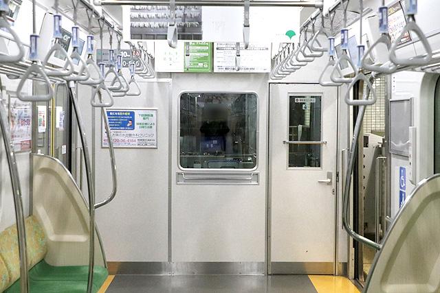 都営10-300形(4次車)乗務員室背面
